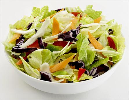 Салат овощной с фруктами