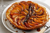 Пирог татен с персиками