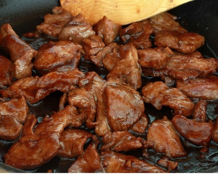 Как вкусно приготовить мясо на сковороде рецепт